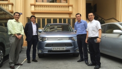 Bộ GTVT dùng thử xe xanh Mitsubishi Outlander PHEV