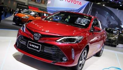 Toyota và Hyundai giảm giá sập sàn, nhiều mẫu chạm mốc 500 triệu