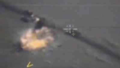 Video: Tiêm kích Nga 'thổi bay' 12 xe tải chở vũ khí của IS