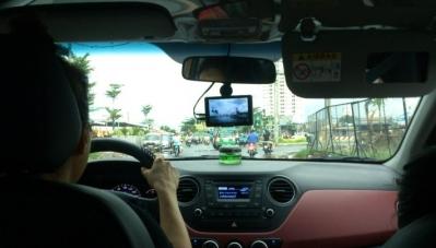 Có nên lắp camera hành trình cho xe hơi?