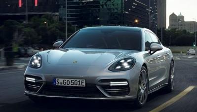 Porsche ra mắt mẫu sedan thể thao siêu sang, giá từ 196.593 USD
