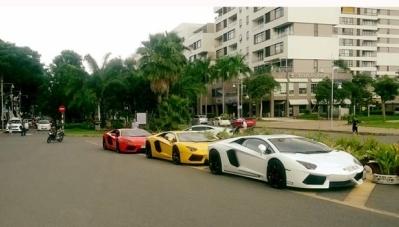 Lamborghini Aventador LP700-4 và Huracan LP610-4 hội ngộ ở Sài Thành