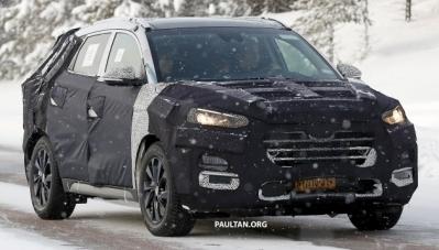 Lộ diện Hyundai Tucson bản nâng cấp đang ngụy trang, chạy thử