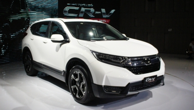 Xe nhập khẩu trở lại, giá xe nội có giảm?