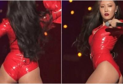 Tranh cãi trang phục hở hang bỏng mắt của thành viên nhóm nhạc Hàn
