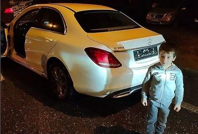 Cậu bé được tặng xe Mercedes sau khi... hít đất hơn 4.000 cái