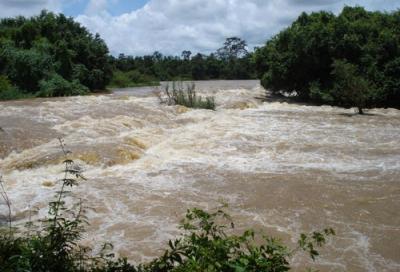 Đi hái rau, hai thiếu nữ chết đuối thương tâm trên sông Sêrêpốk