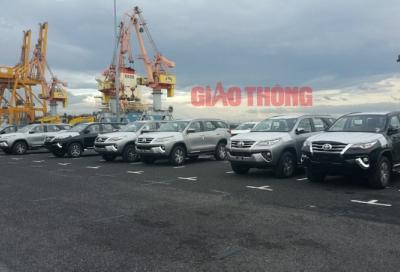Cận cảnh lô xe Toyota Fortuner vừa cập cảng Hải Phòng