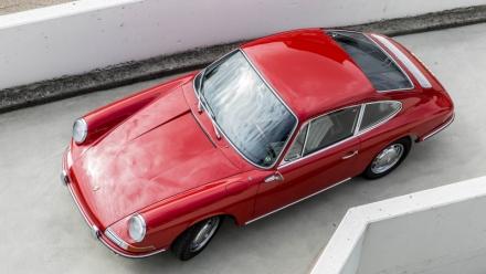 Phục chế thành công chiếc Porsche 901 mục nát trở về nguyên bản