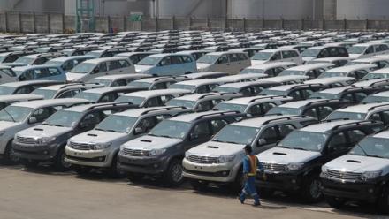Khi nào ô tô nhập khẩu mới hết khan hàng?