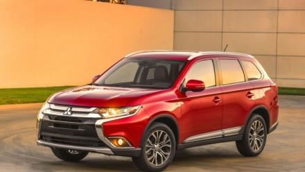 Mitsubishi Outlander liên tiếp phải triệu hồi xe