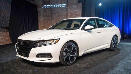 Honda giới thiệu Accord 2018 hoàn toàn mới tại Mỹ