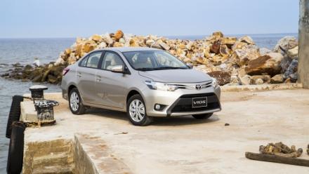Xe nội Toyota thăng hoa chặn đà suy giảm xe nhập khẩu