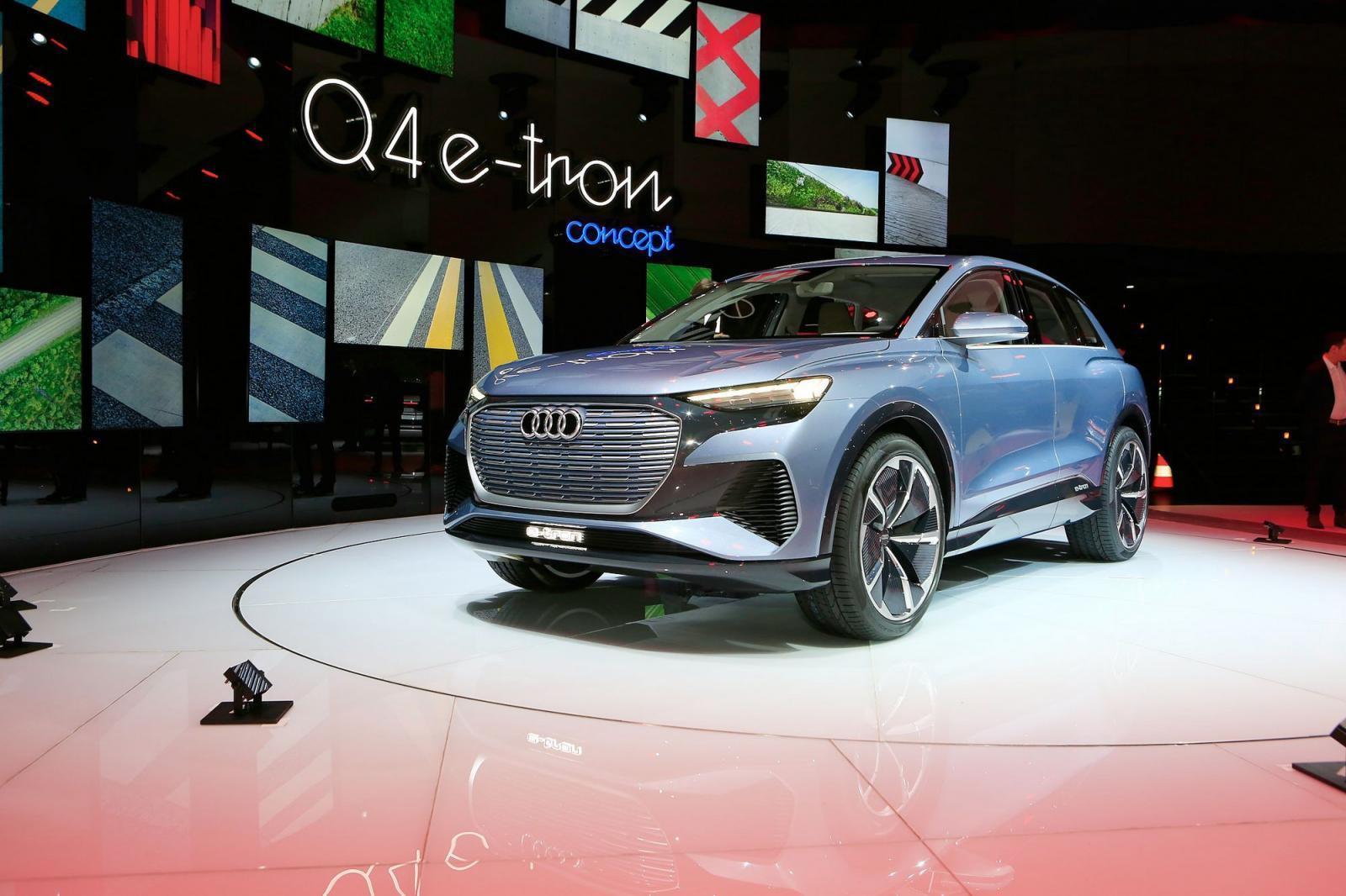 Audi Q4 chạy điện có nhiều điểm tương đồng với các dòng xe gắn mác e-tron trước đó của thương hiệu Đức nhưng vẫn sở hữu cá tính riêng đủ mạnh để không bị đánh đồng