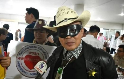Tranh cử ở Thái Lan kỳ lạ với 15 ứng viên Thaksin, Yingluck - ảnh 1