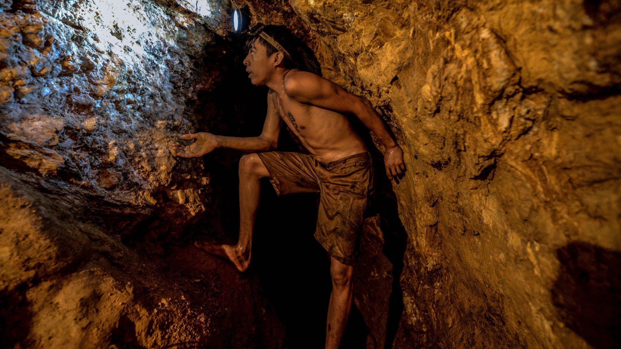 Báo Nga: Venezuela còn 10.000 tấn vàng chưa được khai thác - Ảnh 3.
