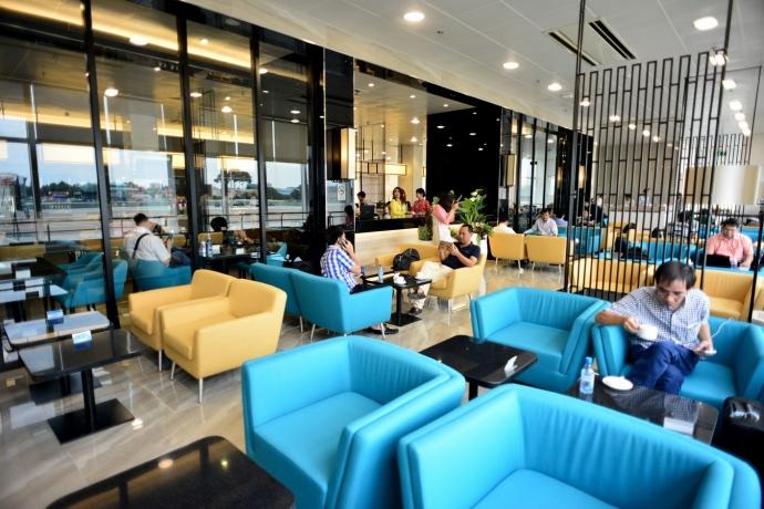 phòng chờ hạng thương gia của vietnam airlines có gì lạ?