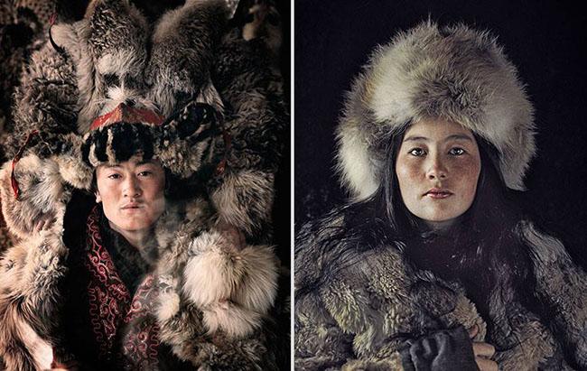 Kazakhstan, Mông Cổ: Bộ tộc Kazakhstan có khoảng 100.000 người và là cộng đồng thiểu số lớn nhất Mông Cổ. Họ là bộ lạc bán du mục, sinh sống với đàn gia súc gồm cừu, dê, ngựa, lạc đà và bò yak lông dài.