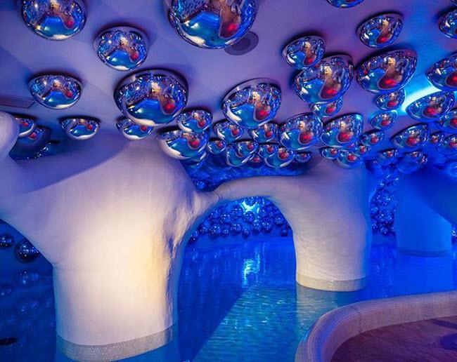 Palazzo Matteotti, Italia: Bể bơi trong nhà tại khách sạn ở thành phố Milan có không gian rộng và thiết kế rất ấn tượng.