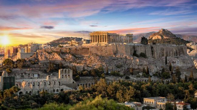 Athens, Hi Lạp:Ngôi đền Acropolis được UNESCO công nhận là di sản thế giới trở thành một trong những địa điểm du lịch hấp dẫn nhất thành phố Athens.