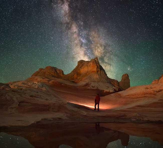 1. Một khung cảnh tuyệt đẹp về bầu trời đêm tại Arizoma, Mỹ do nhiếp ảnh gia Morteza Safataj chụp lại.