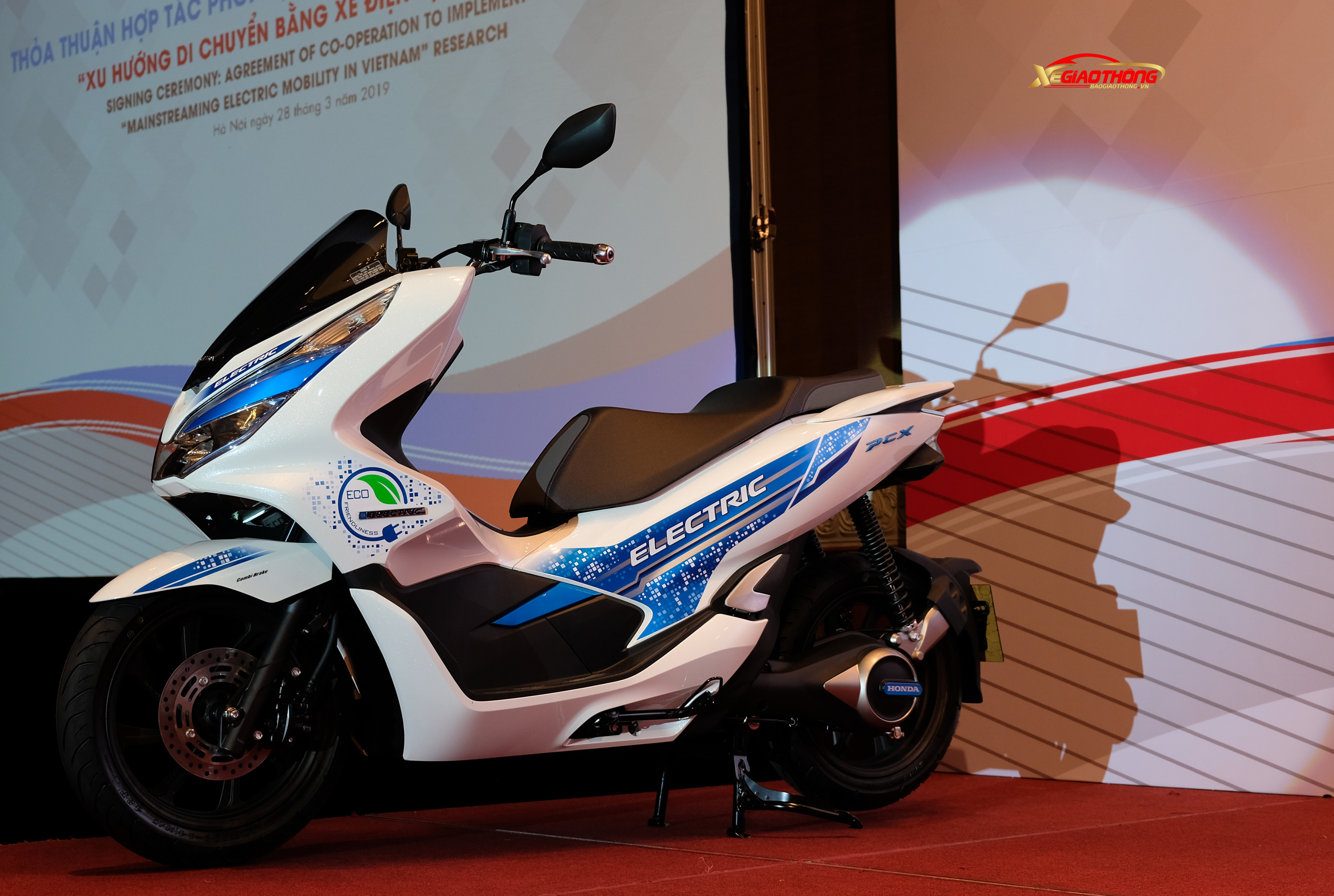 Honda PCX Electric bất ngờ xuất hiện tại sự kiện của Honda Việt Nam
