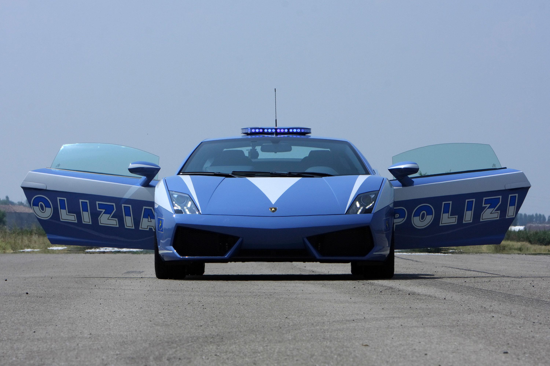 Lamborghini Gallardo LP560 đạt tốc độ tối đa 326 km/h, tăng tốc từ 0-99km/s chỉ trong 3,7 giây, công suất đạt 560 mã lực