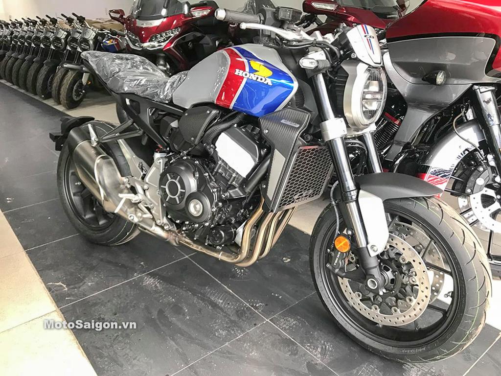 Giá bán Honda CB1000R 2019 phân phối chính hãng tại showroom Honda Moto (TP.HCM) là 468 triệu đồng