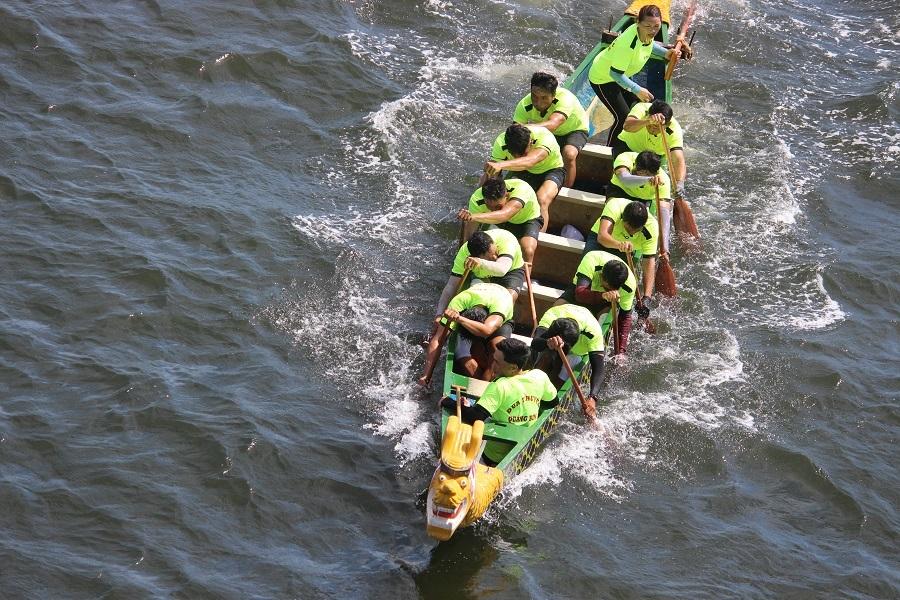 Đây là các tay chèo đội đua thuyền đến từ tỉnh Quảng Bình