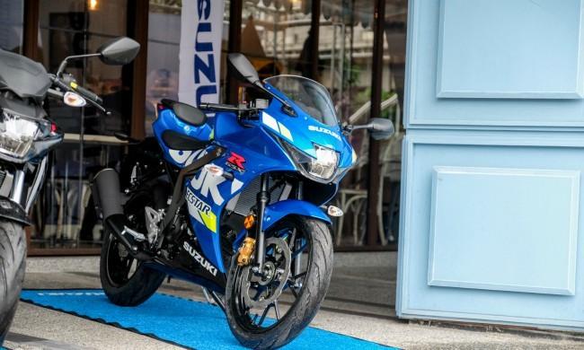 Suzuki GSX-R/S 150 là một sản phẩm bom tấn tại thị trường Đài Loan vừa ra mắt cách đây không lâu. Từ khi ra mắt dòng xe này đã đạt tới doanh số ngạc nhiên với hơn 10.000 chiếc