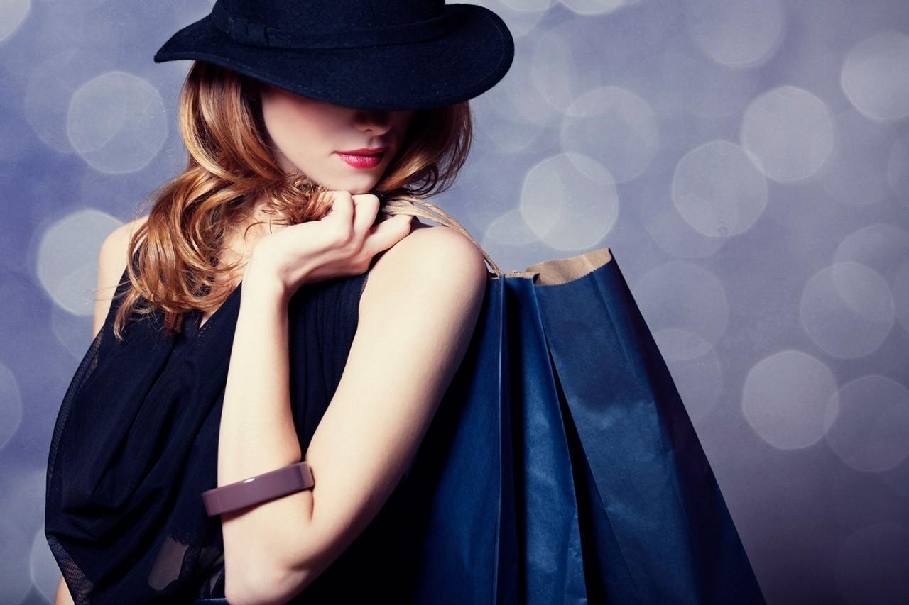Mỹ phẩm DeAura đem đến cơ hội cho phụ nữ Việt bước chân vào cánh cửa thế giới làm đẹp phù hoa với mỹ phẩm cao cấp.