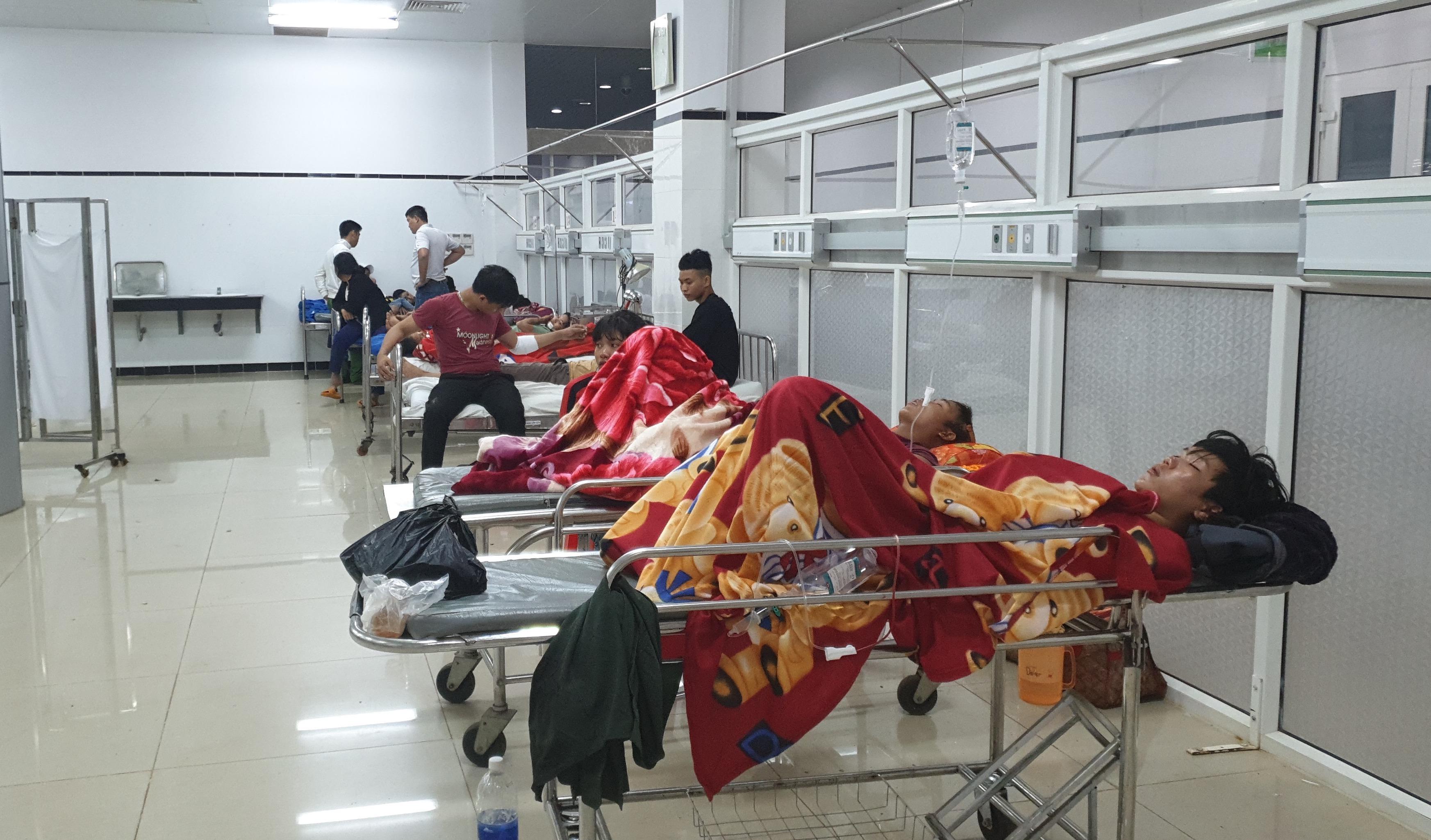 Hành khách bị thương được cấp cứu tại bệnh viện.
