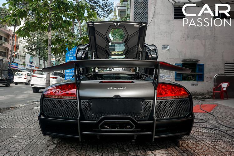 Theo dự tính ban đầu của hãng xe Ý, họ sẽ sản xuất tổng cộng 350 chiếc Lamborghini Murcielago SV LP670-4, nhưng đáng buồn chỉ có đúng 186 chiếc rời dây chuyền sản xuất và đến với khác hàng, điều này cũng cho thấy được giá trị của chiếc Murcielago SV độc nhất Việt Nam