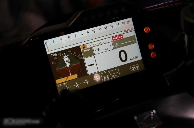 Hệ thống điện tử hỗ trợ trên xe cũng được bổ sung thêm chế độ Start Mode cho phép người lái tùy chỉnh các thông số