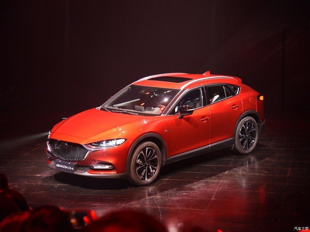 Tháng 8 năm nay, cánh săn ảnh tại Trung Quốc đã bắt gặp Mazda CX-4 phiên bản nâng cấp trên đường thử. Đến nay, mẫu crossover cỡ C này mới được giới thiệu tại thị trường tỷ dân
