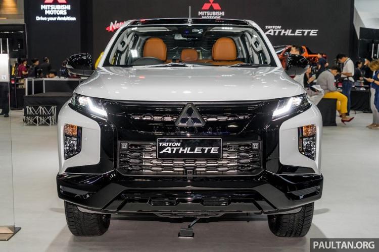 Chỉ có cấu hình double cab, bán tải Mitsubishi Triton Athlete 2019 sở hữu bộ phụ kiện do đại lý bán và lắp đặt có giá 32.000 Baht (khoảng 24,3 triệu đồng)