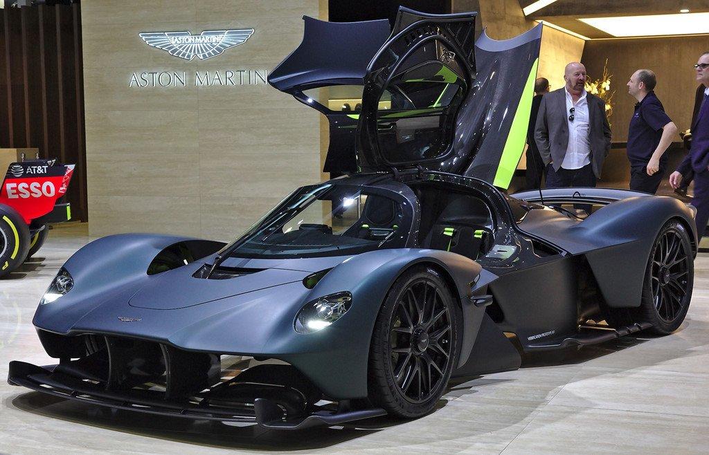 1. Aston Martin Valkyrie (3,2 triệu USD)