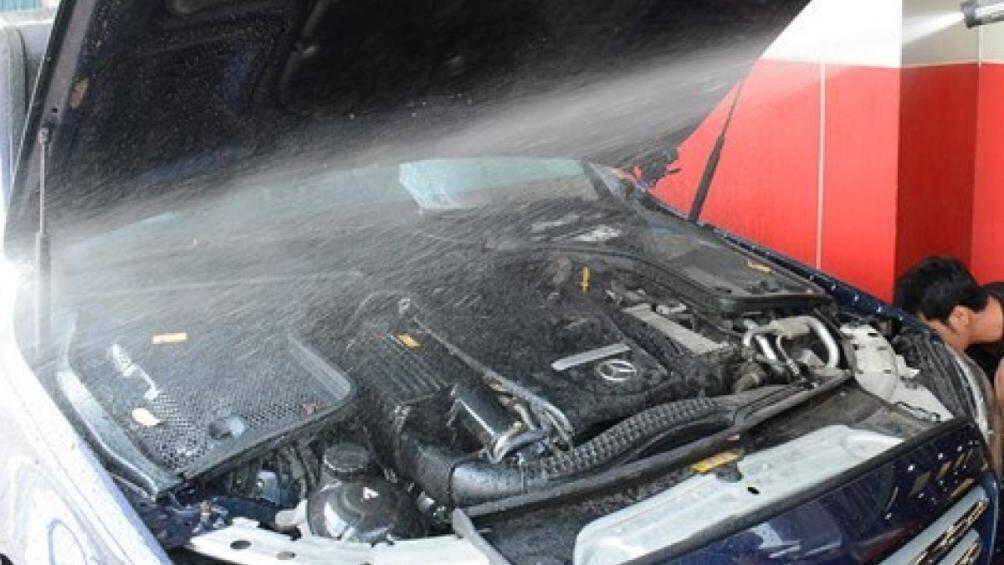 Những sai lầm thường gặp khi tự rửa ô tô tại nhà - Ảnh 5.