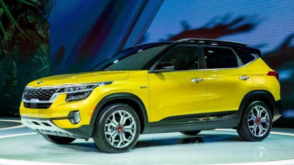 """Tại Mỹ, Kia Seltos hoàn toàn mới phiên bản """"LX"""" Tiêu Chuẩn được trang bị hệ dẫn động bốn bánh toàn thời gian (AWD) có giá dưới 22.000 USD"""