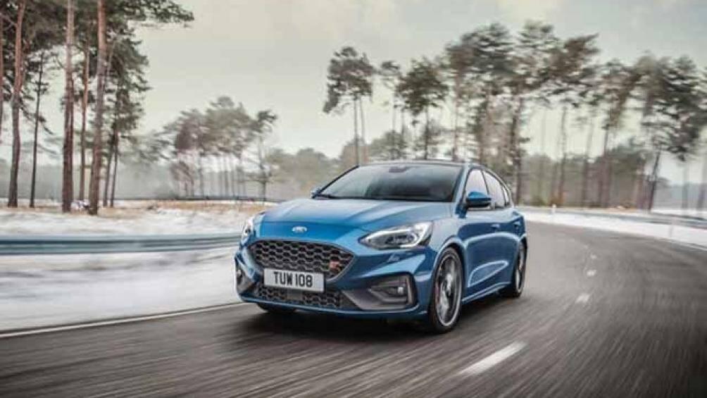 3. Ford Focus RS (thời gian tăng tốc từ 0-100 km/h: 4,7 giây)