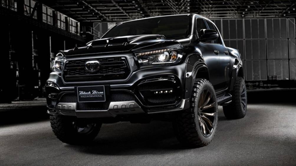 """Sports Line Black Bison Edition là phiên bản """"cực ngầu"""" của Toyota HiLux vừa được ra mắt bởi nhà độ Wald International"""