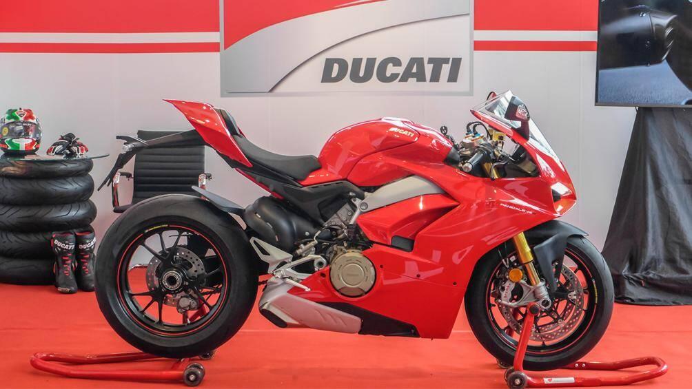 1. Ducati Panigale V4S