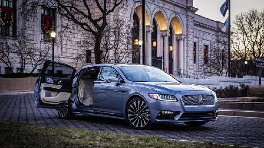 Lincoln đã chính thức mang về những cánh cửa kiểu như xe Roll-Royce và sử dụng trên phiên bản giới hạn của mẫu Continental