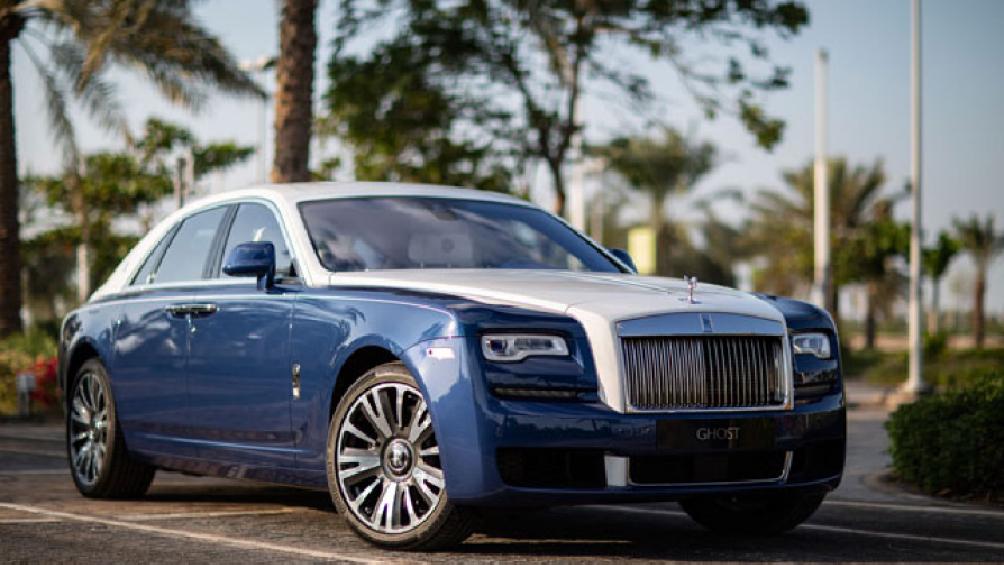 Vừa qua, đại lý Rolls-Royce Abu Dhabi đã giới thiệu một mẫu Rolls-Royce Ghost Bespoke mới lấy cảm hứng từ nghệ thuật Hồi giáo