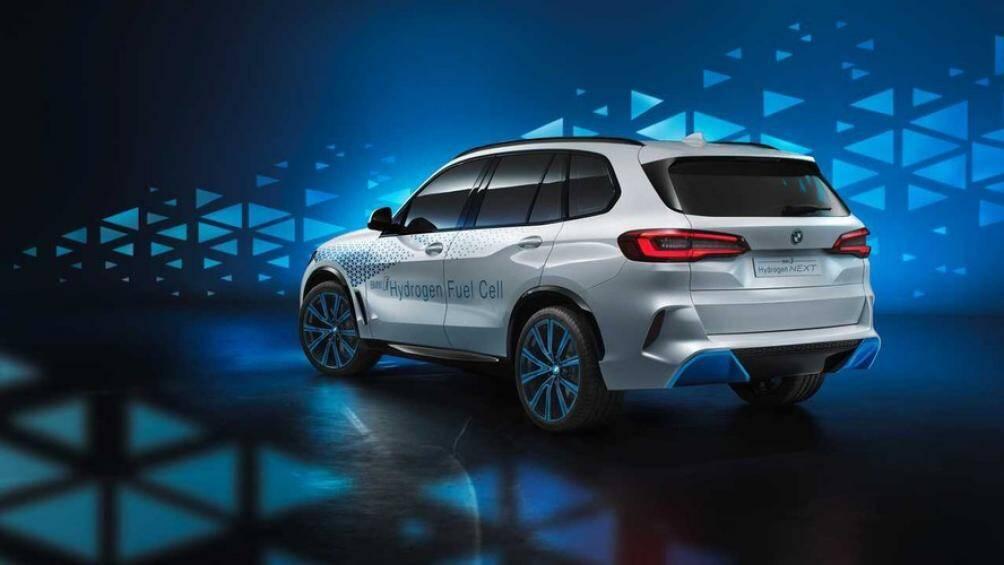 BMW X5 từng được mang đến Triển lãm Frankfurt 2019, i Next Hydrogen Concept là mẫu SUV ý tưởng đầu tiên của BMW sử dụng năng lượng hơi nước