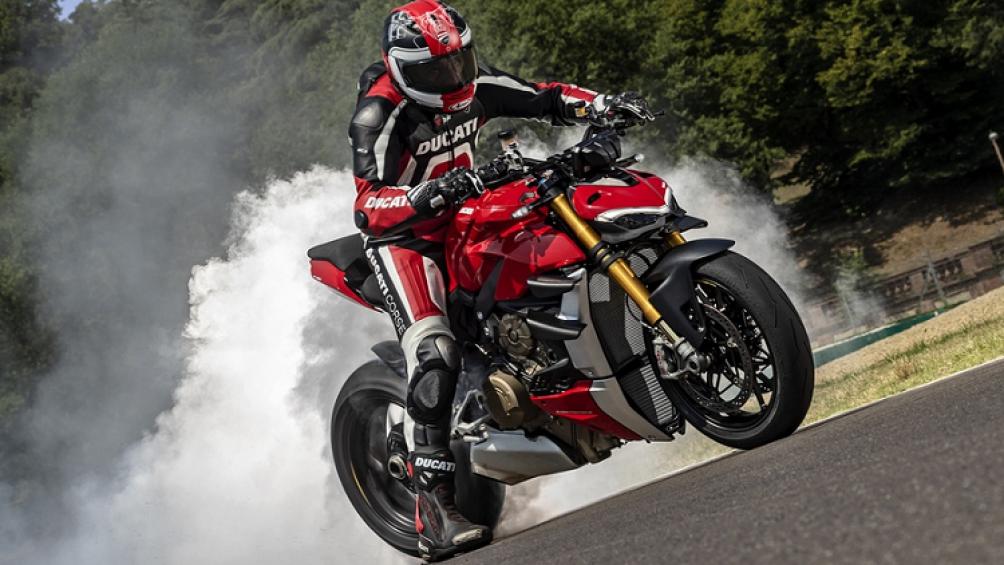 Hãng xe môtô Ý mới đây đã trình làng mẫu xe Ducati Streetfighter V4 mới và V4 S 2020 thông qua buổi giới thiệu trực tuyến trên các trang mạng xã hội