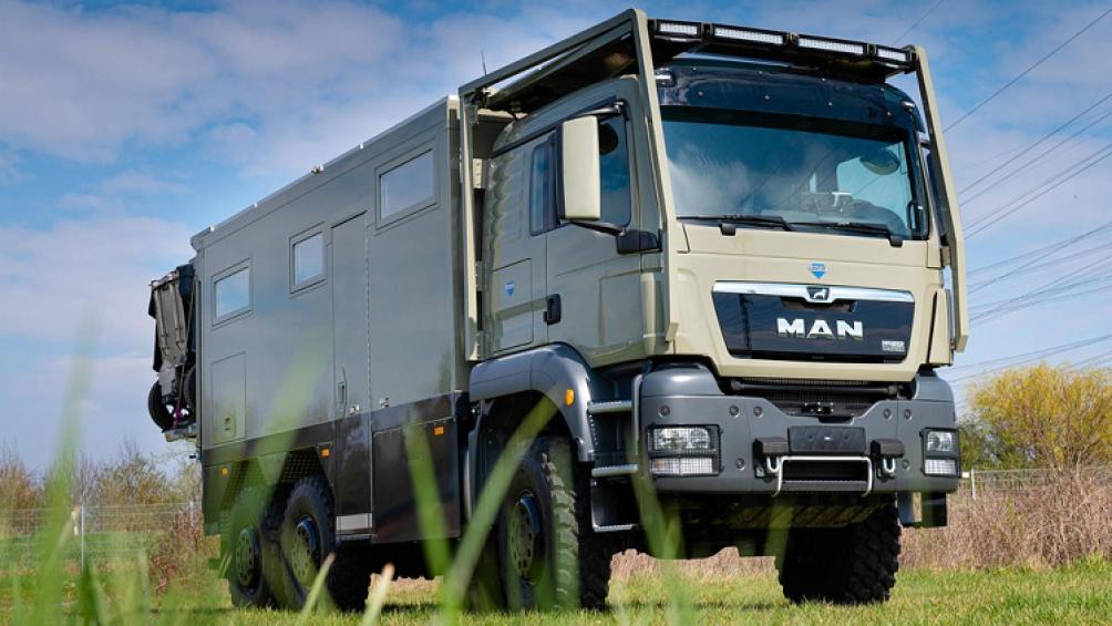 Unicat MD56c MAN TGS 6x6 là sự kết hợp của một chiếc xe tải 6 bánh hạng nặng với sự tiện nghi sang trọng của một chiếc motorhome - nhà di động