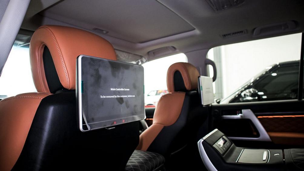 Hiện tại, giá xe Toyota Land Cruiser 2020 bản 4 ghế VIP được chào bán với mức giá 9,4 tỷ đồng