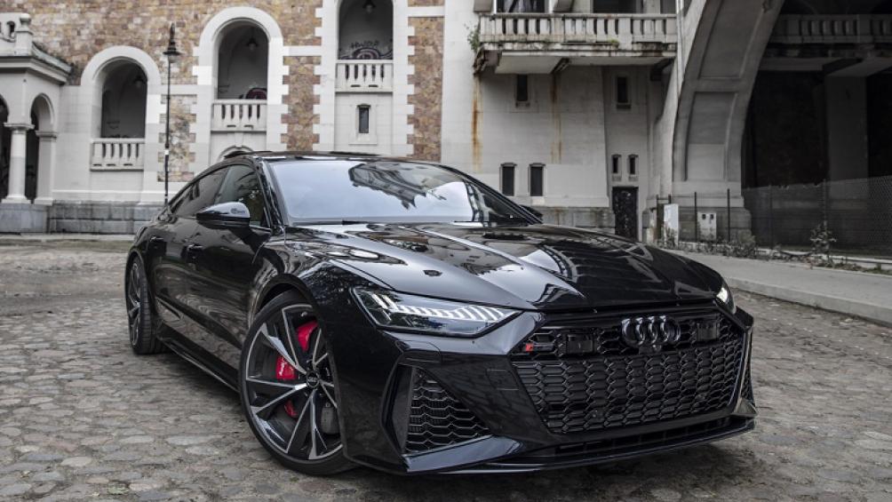 Thực tế, bất cứ mẫu xe Audi nào đóng mác RS đều mang nét đặc biệt. Audi RS7 Sportback 2021 mới thậm chí còn được đẩy lên cấp độ cao hơn