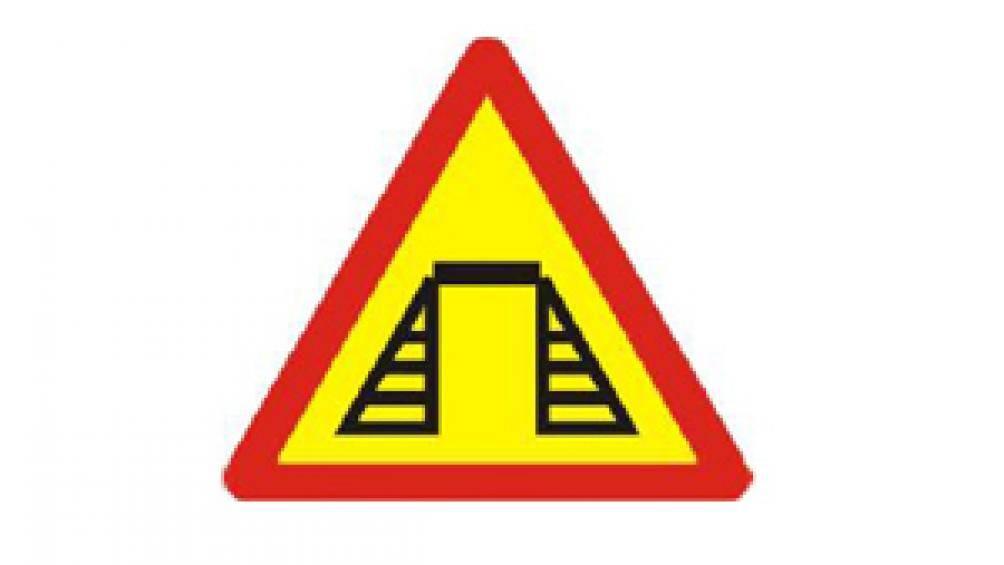 """12 loại biển cảnh báo nguy hiểm - Biển số 213 """"Cầu tạm"""""""